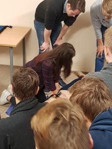 PROJEKTAS TUK TUK ŠIRDELE – BŪK SVEIKA! 2017 metai fabijoniskiu mokykla (20)